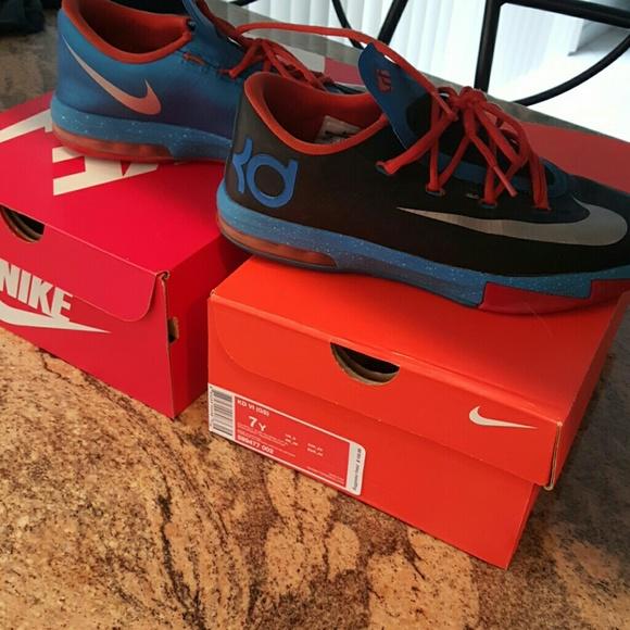 Boys Nike KD sneakers