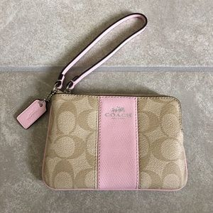 Authentic coach corner zip signature wristlet