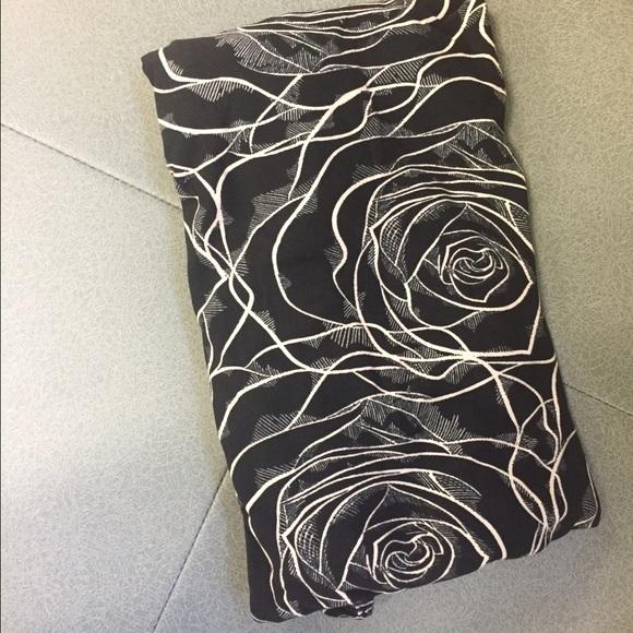 20% off LuLaRoe Pants - Lularoe Black Rose Leggings NWT OS from Natashau0026#39;s closet on Poshmark