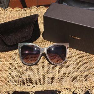 a8e85a24ca0 Tom Ford Accessories - Tom Ford Cateye sunglasses. Anoushka FT 371.