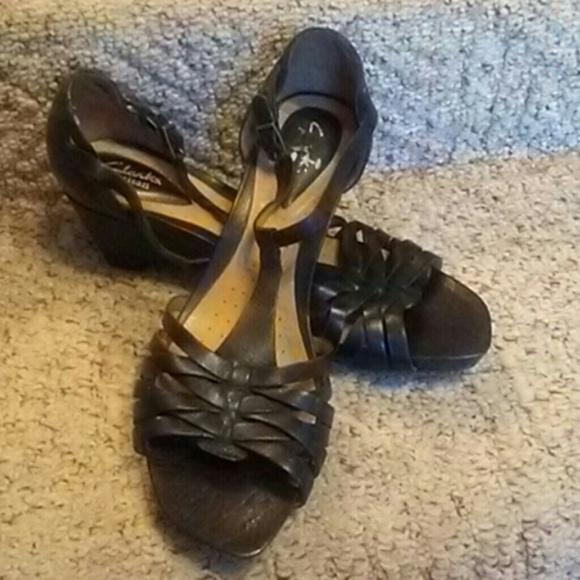 5cec46e42 clarks artisan sandals sold