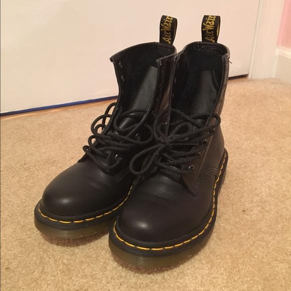 26 off dr martens shoes black doc martens 39 1460 w. Black Bedroom Furniture Sets. Home Design Ideas
