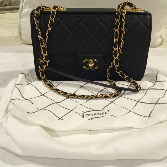 a61253c8be1d CHANEL Handbags - Auth CHANEL Women bag shoulder black lambskin