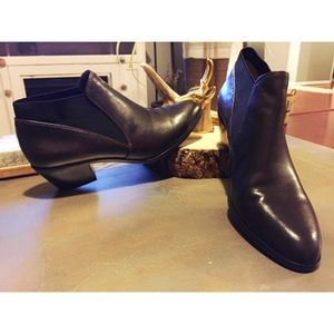 VIA SPIGA DARK BROWN LEATHER ANKLE BOOTS
