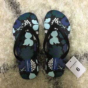 Marimekko Shoes - NWT Marimekko Floral Print Flip Flops Size 6