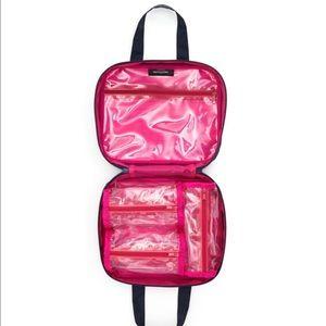 💥NEW💥Bloomingdales ZipaRound Travel/Cosmetic Bag