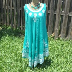 Dresses & Skirts - Mint and whit floral sleeveless dress