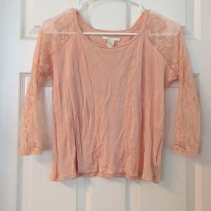 Forever 21 Tops - Forever 21 3/4 lace sleeve shirt
