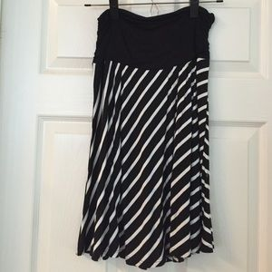 AB Studio Dresses & Skirts - $3 Bundle Sell Off-Cute stripped skirt