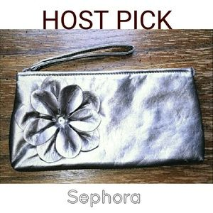 Sephora Handbags - 💖 FLASH SALE 💖   {Sephora } Wristlet