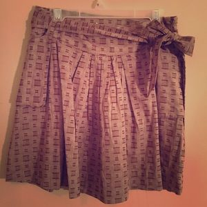 Knitted Dove Skirt with Retro Print