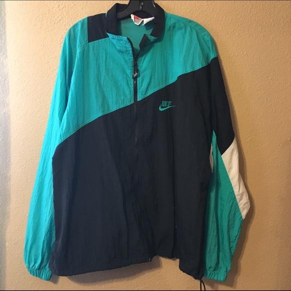 4c42dde40e4c Nike vintage retro windbreaker jacket. M 575c8a722de5120e9b00236b