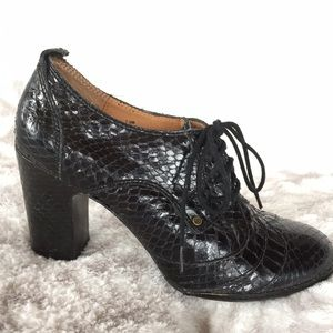 Frye Shoes - FRYE Leather Adrienne Oxford Heels