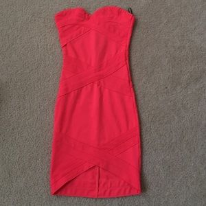 Bodycon bandage-like strapless hot pink dress