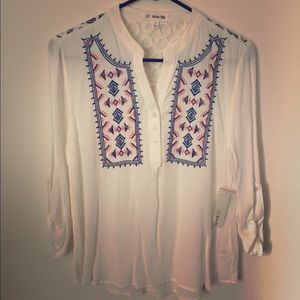 Tops - NWT Embroidered blouse.