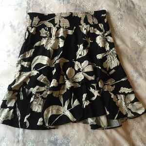 CAbi Dresses & Skirts - CAbi printed ruffle skirt