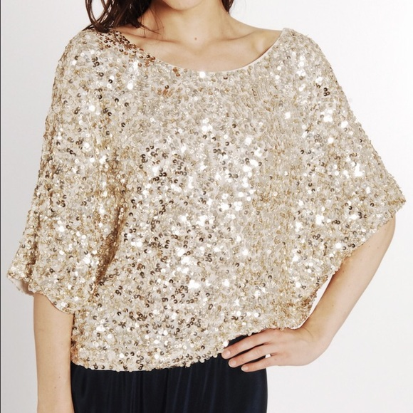 d089e5ebe7683 Vince Gold Sequin Top size small. M 575cc0feea3f3699b10074b8