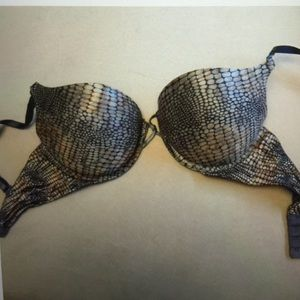 Accessories - 2 bombshell bras