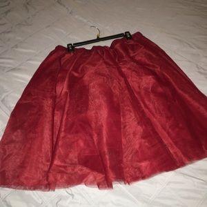 Dresses & Skirts - Plus size tulle skirt!