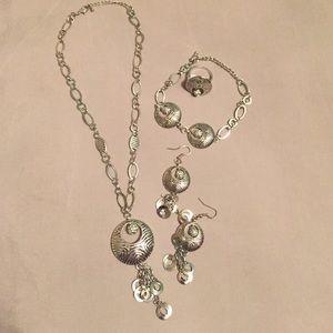 New silver jewelry set!!