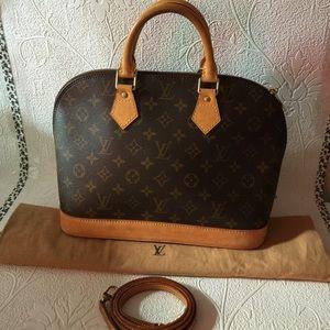 Louis Vuitton Handbags - Louis Vuitton monogram alma pm with strap