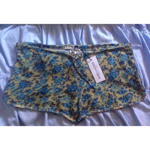 Novella Royale Pants - Novella Royale Blue Rose Shorts