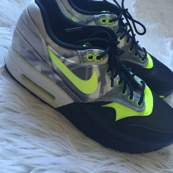 lowest price 0d24a c7e14 Nike Womens Air Max 1 FV QS Foco Bonito 677340001.  M 575d6c4f41b4e059d7001c32