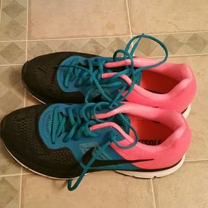 Shoes - Women's Nike Pegasus size 10
