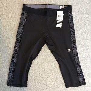 ✨NWT✨ Adidas 3/4 Tight Leggings