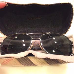 Burberry Accessories - Burberry aviator style sunglasses