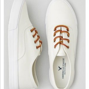 New American Eagle Women's Lace Up Sneakers Sz 6 NWT