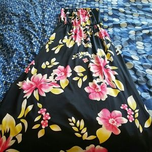 Dresses & Skirts - Brand new floral maxi dress