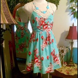 💥SALE NWT! Seafoam Green Floral Print Dress