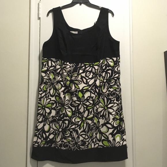ab48290f05b Dress Barn Dresses   Skirts - Dressbarn black white lime flower dress. Size