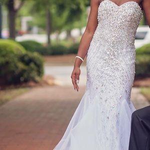 Dresses & Skirts - prom dress 💕