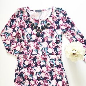 Pixelated Floral Roses Print Dress w/pockets!