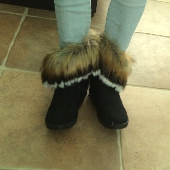 black faux fur ugg boots
