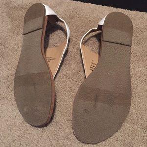 XOXO Shoes - Roche white sandals