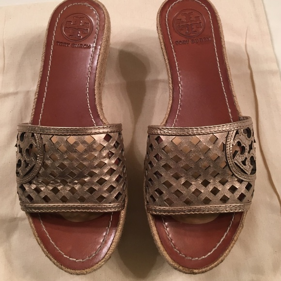 543ec59fb42 Tory Burch Platform Wedge Espadrille Sandals. M 575e08525c12f85f32026504