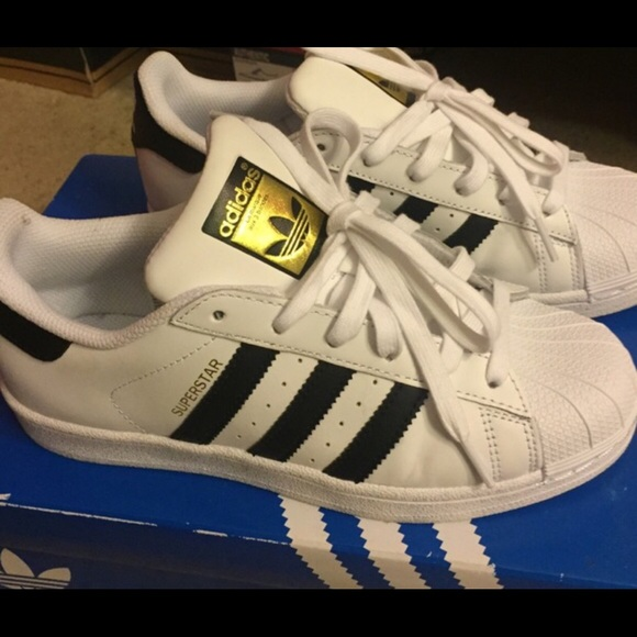 le adidas superstar originali poshmark