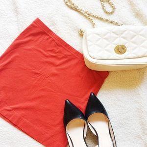 H&M Dresses & Skirts - ⭐️5 for $15⭐️ • H&M • Red Mini Skirt