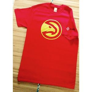 Tops - 🌟Brand New Atlanta Hawks T-Shirt