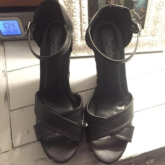 40 russe shoes black patterned wedges