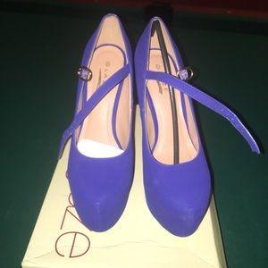 Blue Mary Jane platform heels