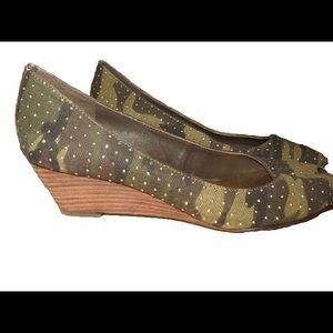 Beverly Feldman Shoes - Size 6 Beverly Feldman Camo Studded Low Wedges