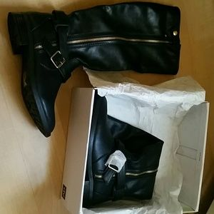 New in box dolce vita size 7 boots