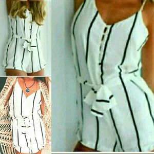 Pants - Lovely white and black summer romper playsuit