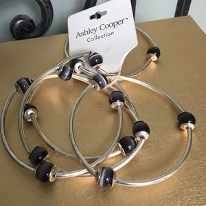 Ashley Cooper Jewelry - Set of 5 bangles