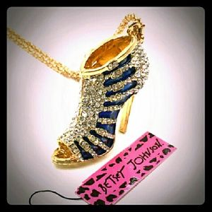 Betsey Johnson Jewelry - 👠SALE👡Betsey J Swarovski Crystal Heel Necklace