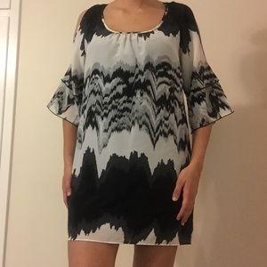 Glam black and white cutout sleeve dress